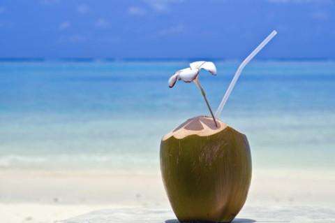 agua-de-coco-praia