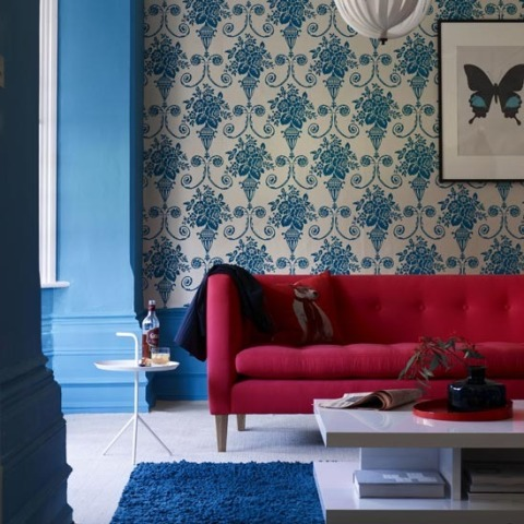 4-10-inspiring-ideas-colourful-living-rooms-bold-wallpaper