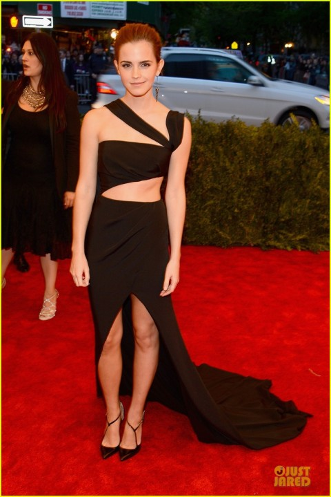 emma-watson-met-ball-2013-red-carpet-01